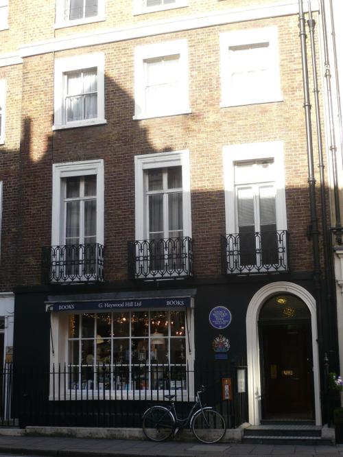 Georgian facade, blue plaque, royal warrant - must be Heywood Hill